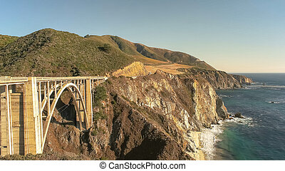 bixby bridge on highway 1 along the california coast in big sur
