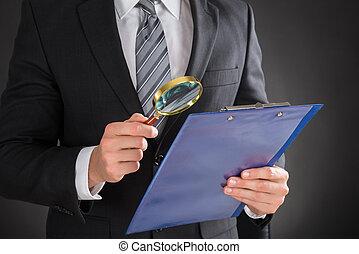 biznesmen, dokument, clipboard, egzaminując