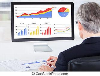 biznesmen, komputer, pracujący, portret