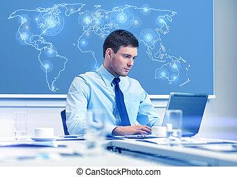 biznesmen, laptop, biuro, pracujący