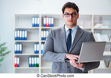 biznesmen, laptop, pracujące biuro