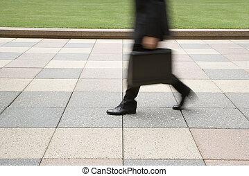biznesmen, pieszy.