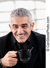 biznesmen, pijąca herbata
