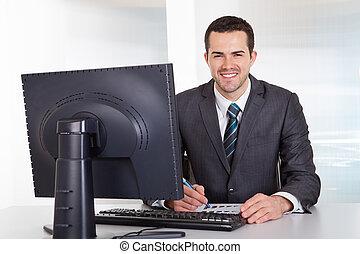 biznesmen, pracujący, biuro