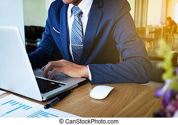 biznesmen, ręka, pracujący, z, nowy, nowoczesny, komputer, i, handlowa strategia, jak, concept.