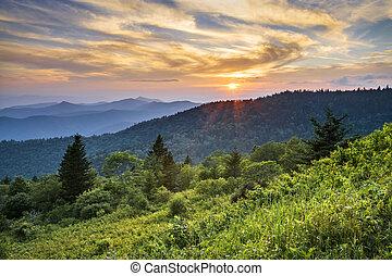 blå ås boulevard, solnedgång, cowee, mountains, scenisk, landskap, in, västra, norra carolina