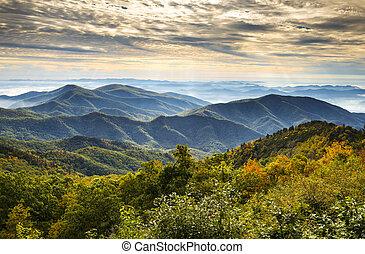 blå fjäll, ås, scenisk, medborgare, nc, parkera, höst, asheville, soluppgång, västra, norr, parkway, landskap, carolina