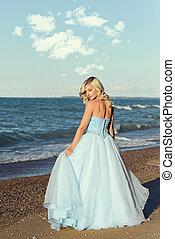 blå klä, kvinna, kväll, strand