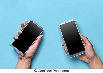 blå, lägenhet, kvinna räcka, utrymme, mobil, nymodig, text., hand, technologies., lägga, bakgrund, man