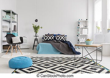 Black and white is always trendy! - Modern bedroom with ...
