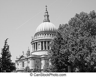Black and white St Paul Cathedral in London
