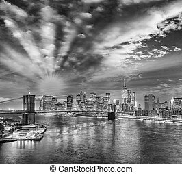 Black and white view of New York from Manhattan Bridge