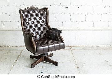 Black Chair in vintage room - Black genuine leather ...