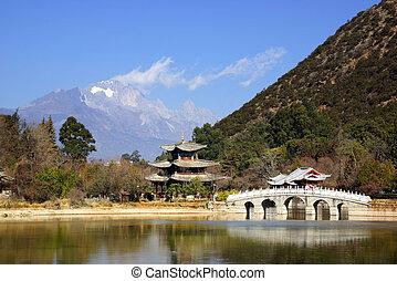 Black Dragon Pool, Lijiang, Yunnan - Black Dragon Pool Jade...