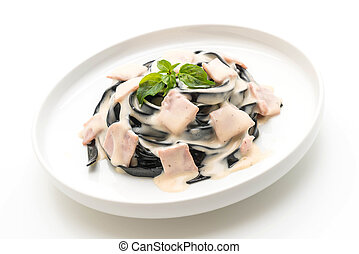 black fettuccine spaghetti carbonara ham