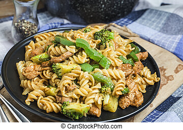 Black pepper pork pasta