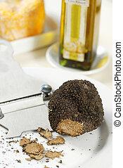 black romanian truffle