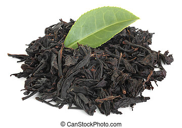Black tea with green tea leaf