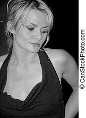 Black + white beauty - Black and white protrait