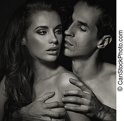 black-white, foto, de, pareja joven, en el dormitorio