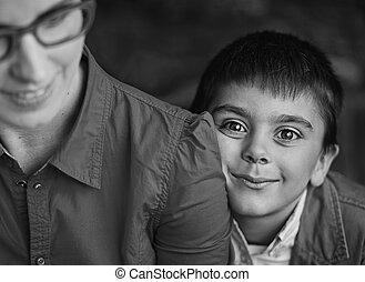 black-white, foto, di, madre, e, lei, felice, figlio
