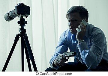 blackmailing, sien, armé, victime, stalker