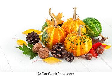 bladeren, pompoennen, herfstachtig, gele