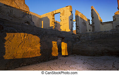 blair, nevada., pueblo fantasma, en, el, desierto, en, mañana temprana, light., desmoronamiento, ruinas, de, viejo, edificios.