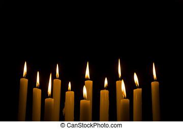 blanc, bougies brûler, sur, sombre