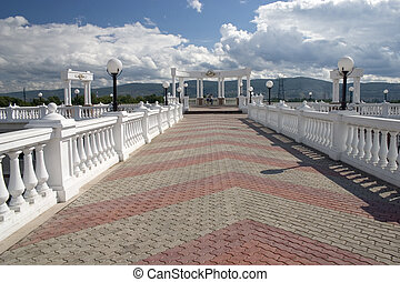 blanc, columns., balcon