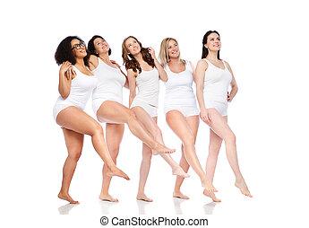 blanc, femmes heureuses, sous-vêtements, différent, groupe