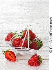 blanc, fraises, seau