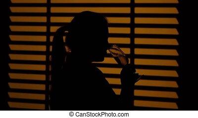 blanc, haut, glasses., silhouette., fin, boire, girl, vin