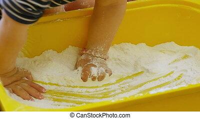 blanc, jouer, farine, bébés
