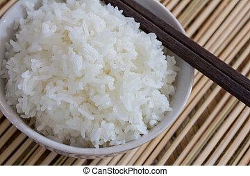 riz blanc cuit vapeur cuit vapeur haut plat fin riz photo de stock rechercher. Black Bedroom Furniture Sets. Home Design Ideas