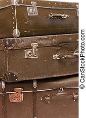 blanc, vieux, isolé, tas, valises