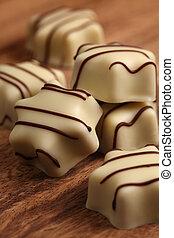 blanco, chocolates