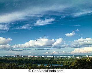 blanco, ciudad, debajo, el, cielos azules, paisaje urbano