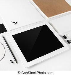 blanco, computadora personal tableta, y, papelería
