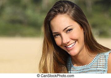blanco, mujer que sonríe, dientes