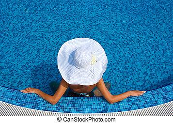 blanco, mujer, sombrero, piscina, natación