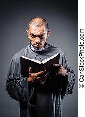blanco, sacerdote, joven, aislado