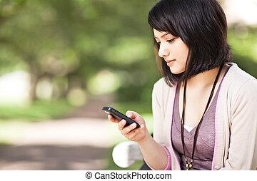 blandad kapplöpning, texting, student
