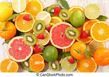 blandad, rå frukt