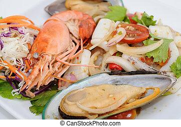 blandet, krydrede, sea-food, salat, på hvide, beklæde