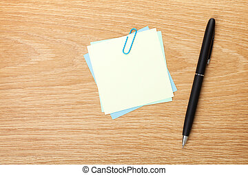 Blank post-it with pen