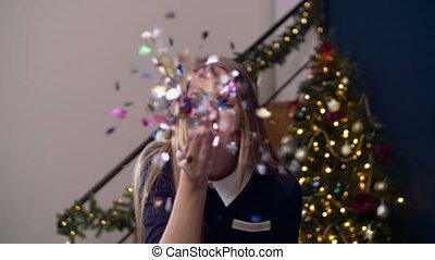 blasen, bunte, hand, heiter, frau, konfetti
