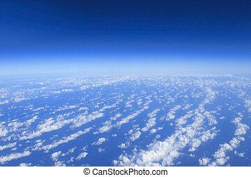 blauer himmel, wolkenhimmel, ansicht, von, flugzeug, motorflugzeug, sonniger tag