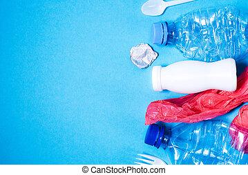 blauer hintergrund, abfall, plastik