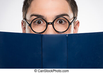 blaues, ahead., lesende , junges schauen, buch, attraktive, mann, mann, hübsch